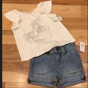 Gap Girls unicorn shirt & Denim Shorts